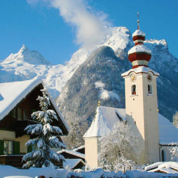 kirche lofer in winter
